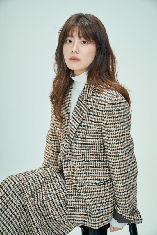 第14位 南志鉉。 曾出演《百日的郎君》的新人演員南志鉉,美貌與實力兼具,由2004年起便以兒童演員的身份活躍著,清純美貌引入矚目。