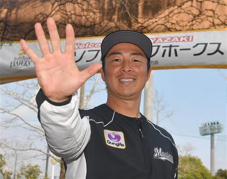 美馬は右手を広げ、チームスローガン『突ッパ!』のポーズを取った (撮影・今野顕)