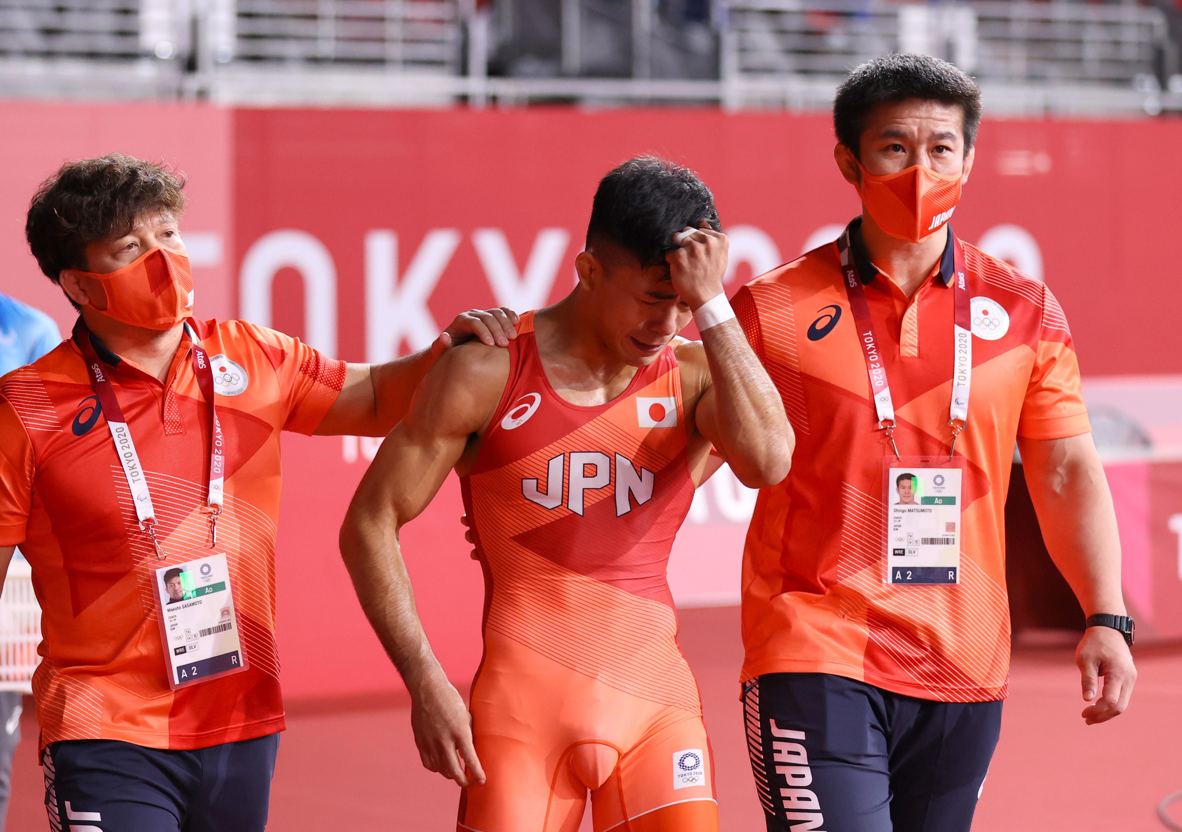 キューバのオルタサンチェスに負け、銀メダルに終わった文田健一郎=2日、幕張メッセ(納冨康撮影)