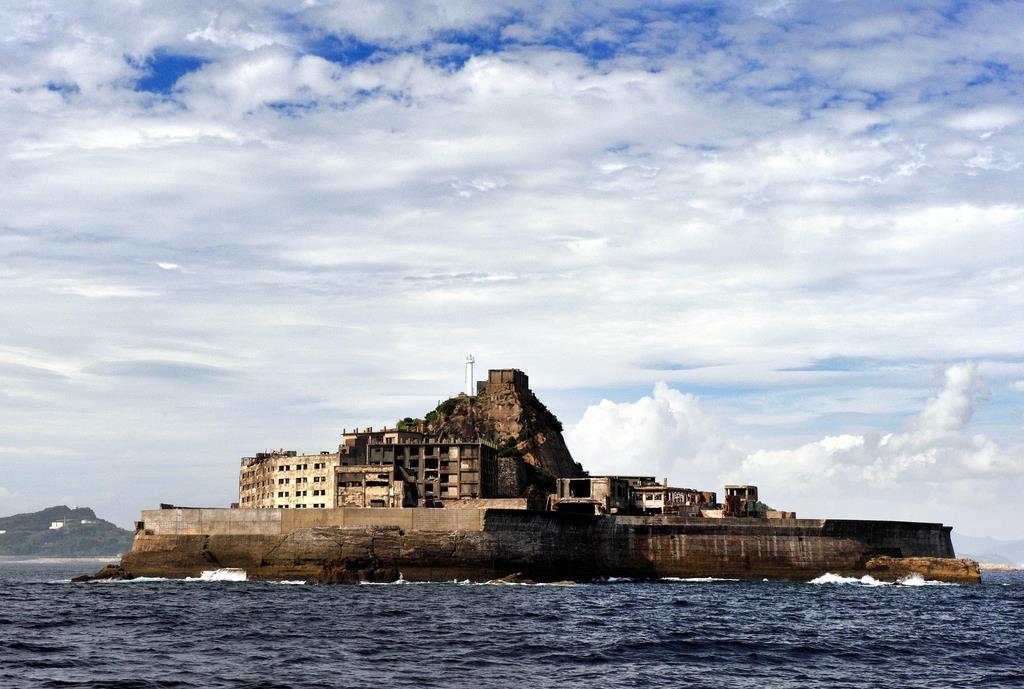 軍艦 島 と は