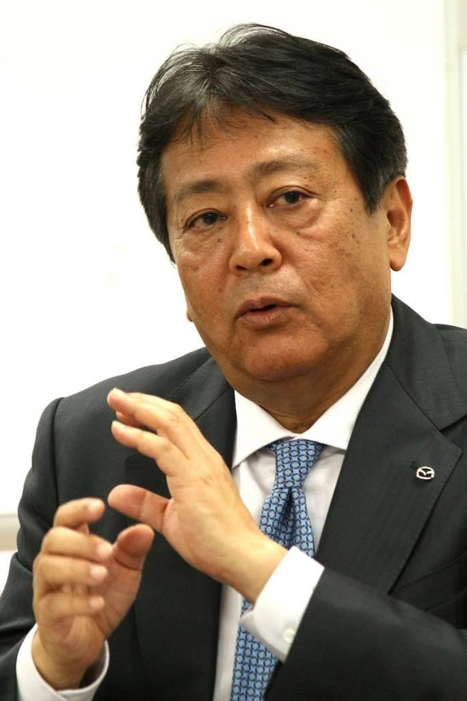 産経新聞などのインタビューに応じるマツダの丸本明社長=東京都千代田区