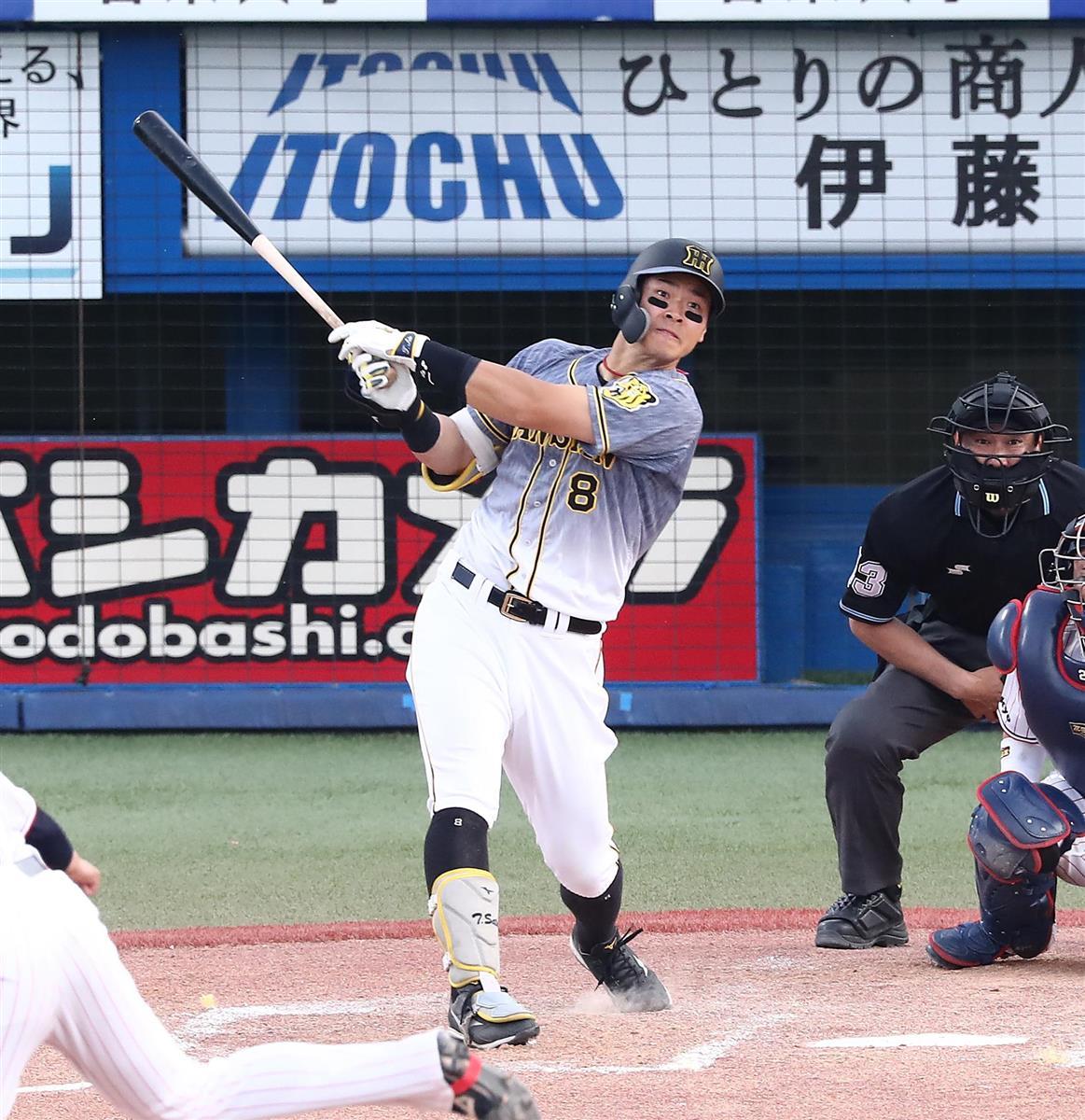 九回、佐藤輝が逆方向へドカン! 9号ソロで新人アベック弾を完成させた(撮影・宮沢宗士郎)