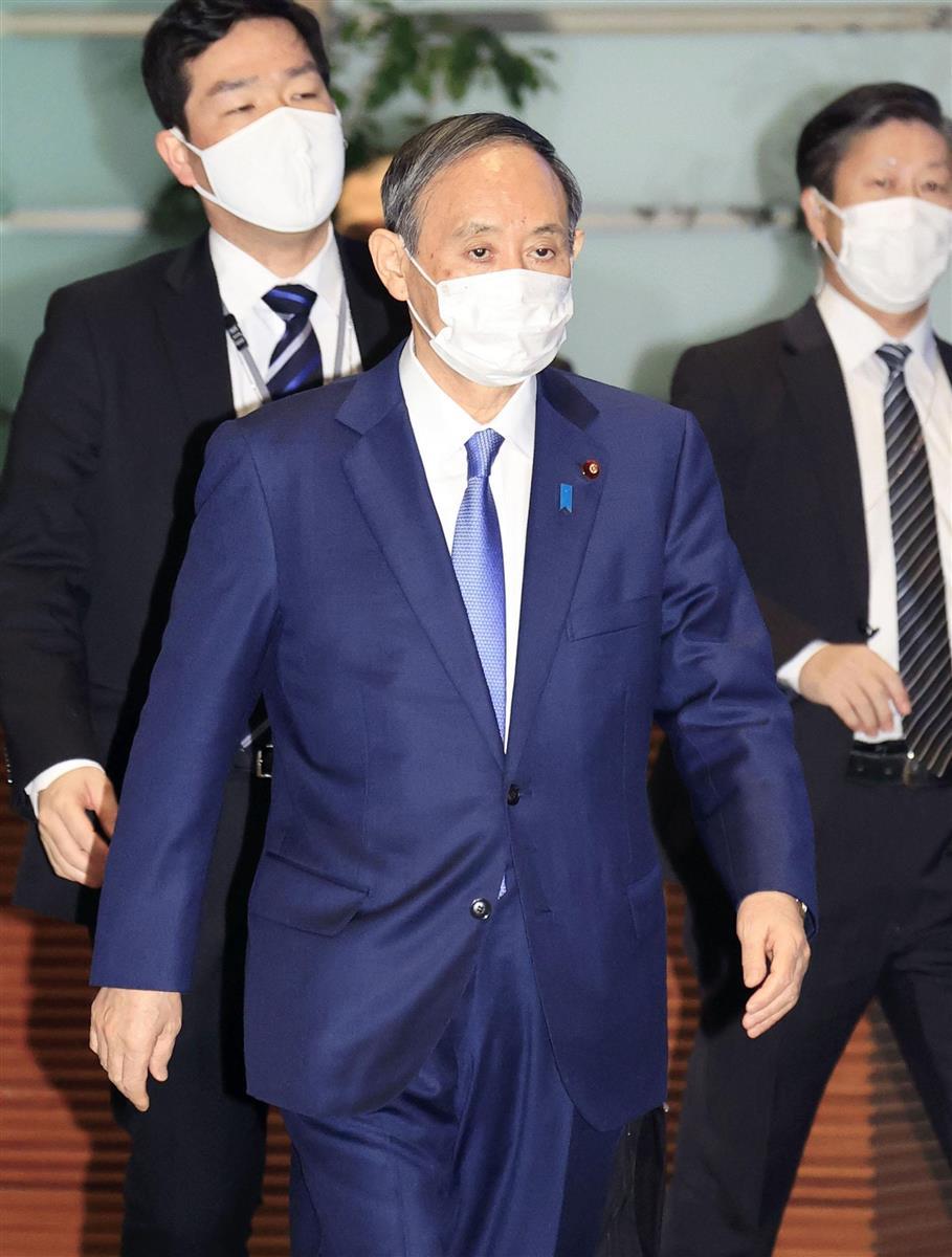 首相官邸に入る菅首相=31日午後