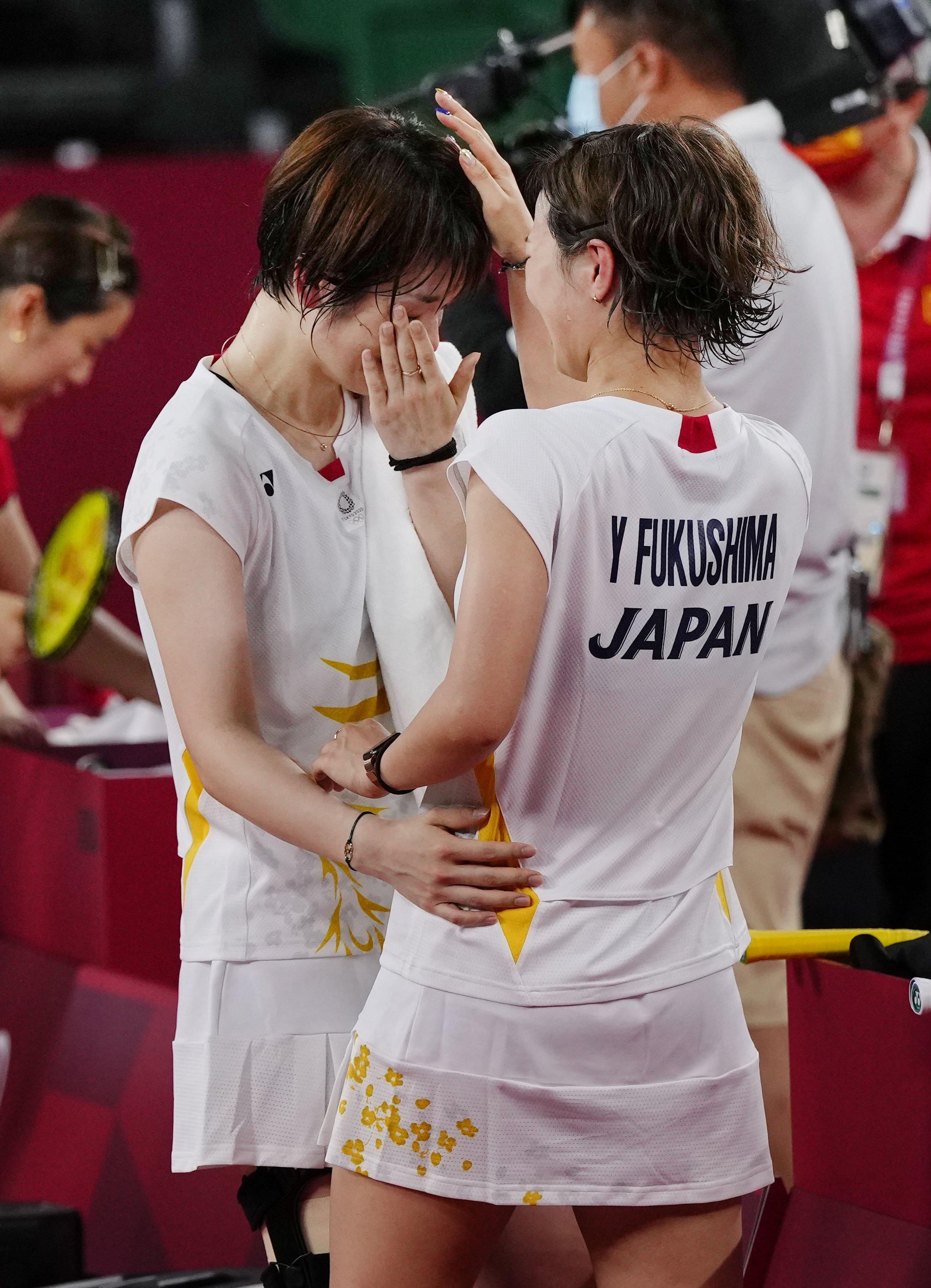 女子ダブルス準々決勝で中国ペアに敗れた福島由紀(右)、広田彩花組=武蔵野の森総合スポーツプラザ
