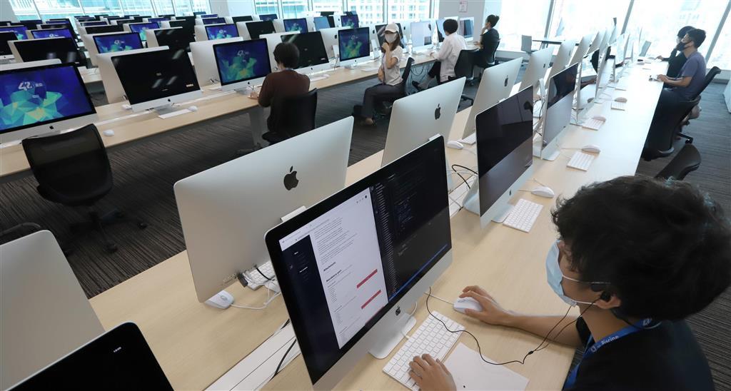 学費無料のエンジニア養成機関「42 Tokyo」=東京都港区(川口良介撮影)