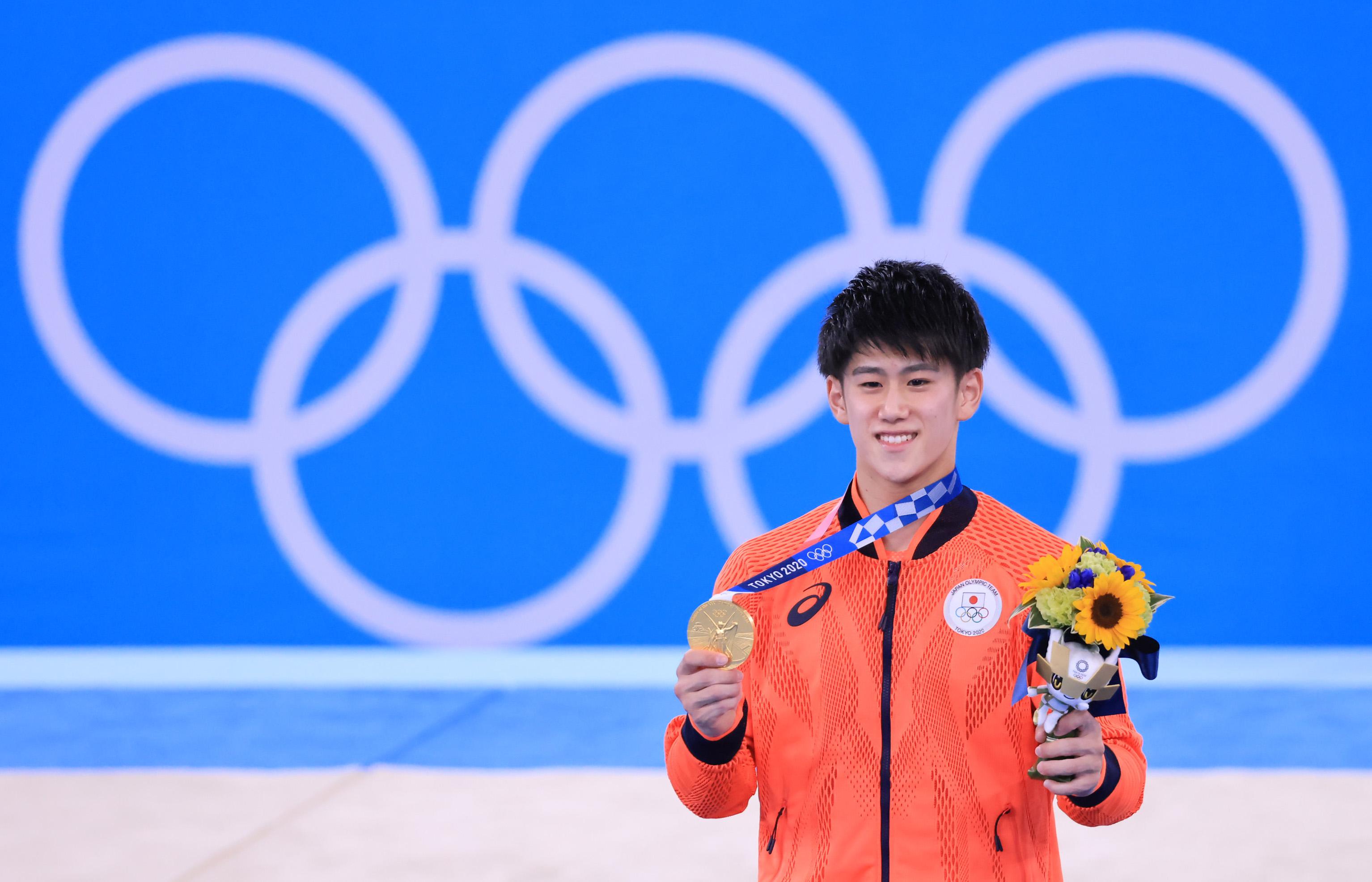 【東京五輪2020 体操】<男子種目別 鉄棒> 金メダルを獲得した橋本大輝 =3日、有明体操競技場