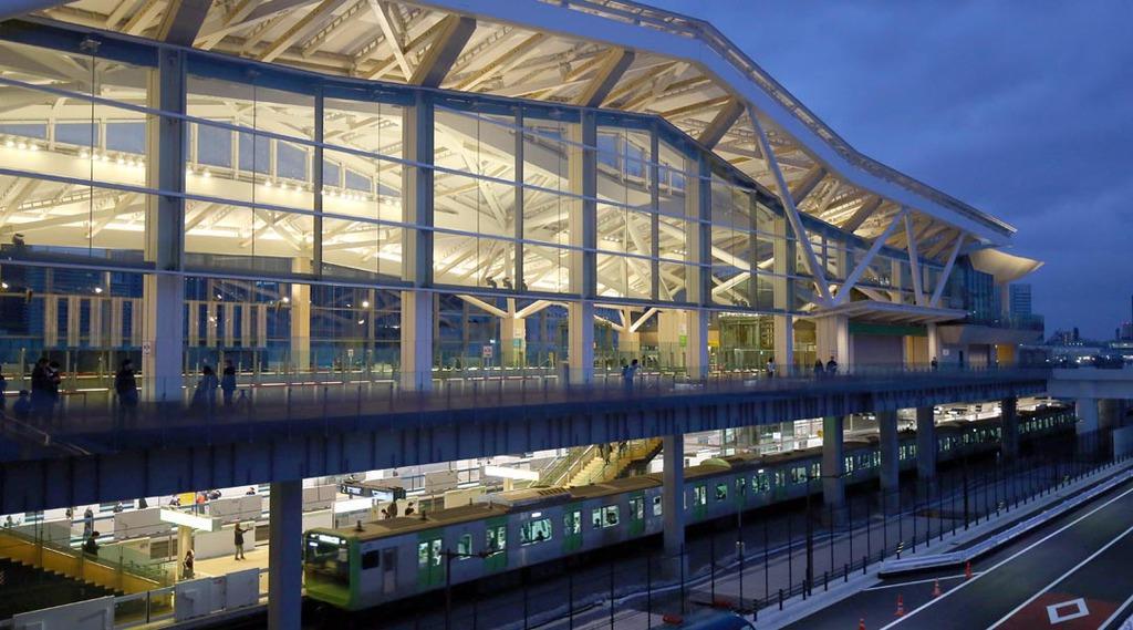 開業した高輪ゲートウェイ駅=14日午前、東京都港区(萩原悠久人撮影)
