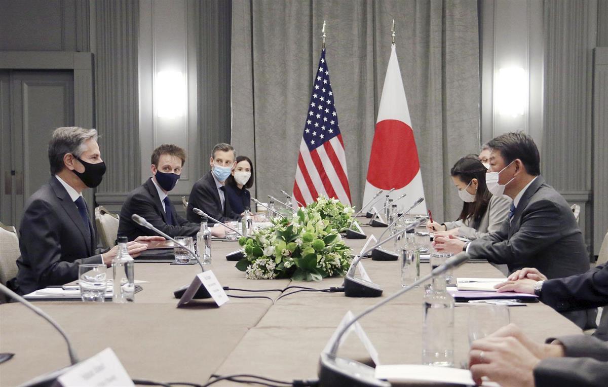 ブリンケン米国務長官(左端)と会談する茂木外相(右端)=3日、ロンドン(外務省提供・共同)