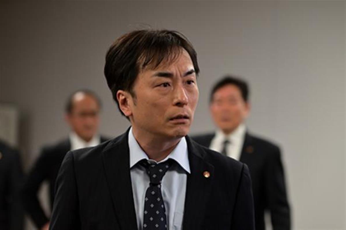 ドラマ「桜の塔」に出演する声優の関智一(ドラマの公式サイトより)
