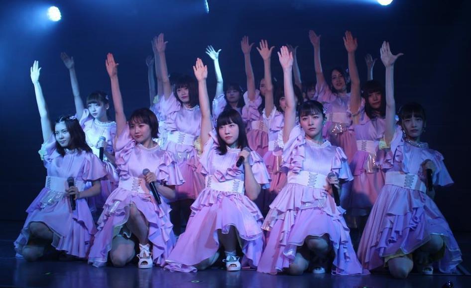 8カ月ぶりに通常公演を行ったNGT48=18日、新潟市中央区(池田証志撮影)
